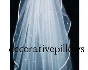 WATERFALL VEIL. 1 tier  ivory . PEARL accent.  Ready to wear with comb attached.