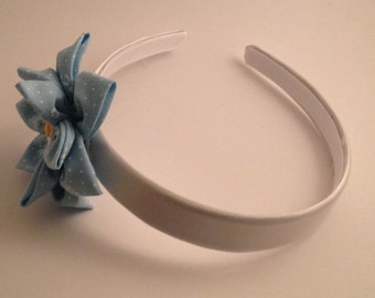 Light Blue and white Daisy Flower Hairband