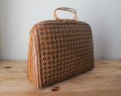 Fabulous Vintage Summer Bag - Woven Design - Clam-Shell Style Opening
