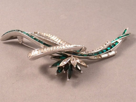 Elegant and Large Vintage 1950's Emerald & Diamond Paste Brooch
