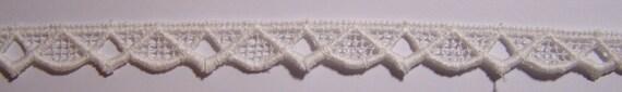 "1 Yard Elegant Vintage White Cotton Lace Trim 5/8"""