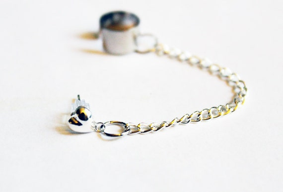 ONLY 1 LEFT -- Simple Heart and Chain Cuff Earring