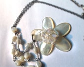 SALE Vintage Pearlescent Floral Beaded Necklace Irredescent 1970s