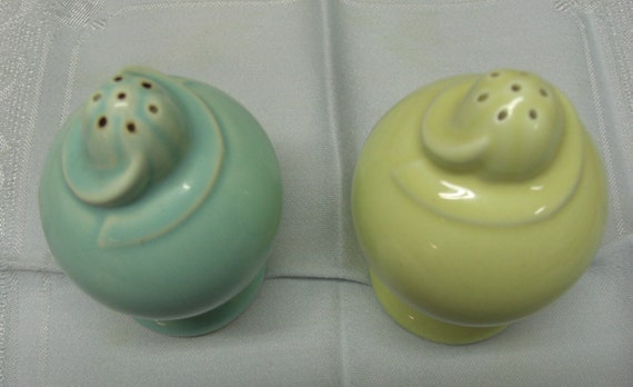 Taylor Smith & Taylor Luray Surf Green and Persian Cream Pastel Salt and Pepper Shakers