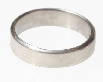 Simple vintage 925 sterling silver band