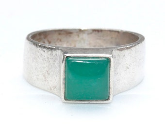 Vintage Spanish sterling silver ring with square green onyx cabochon stone, unusual hallmark on back of band