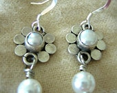 Sterling silver daisy pearl drop dangle earrings