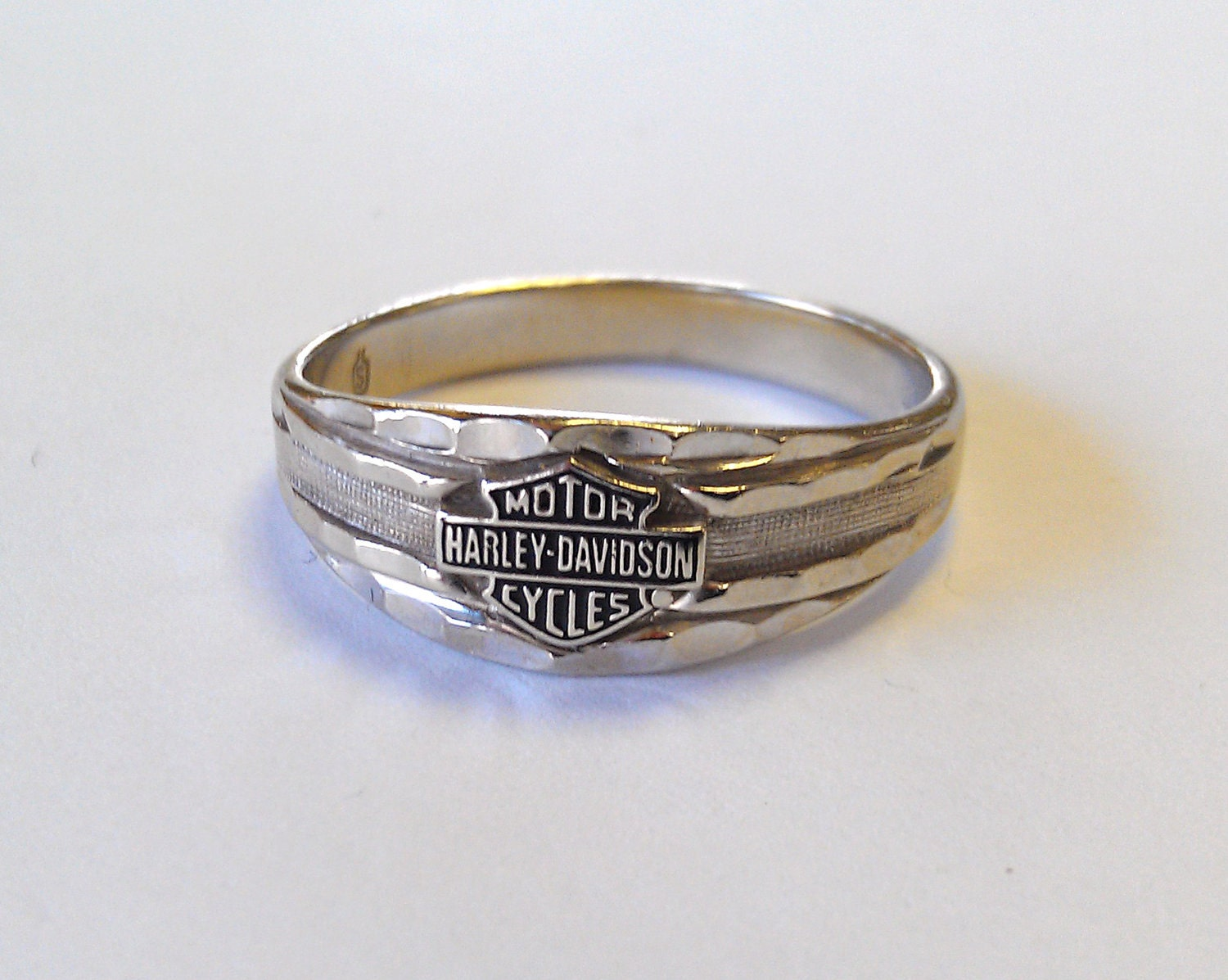Harley Davidson Ring 10k White Gold
