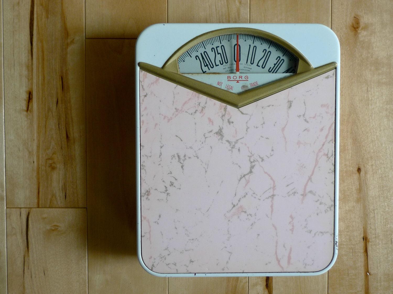 Vintage pink borg bathroom scale for Big w bathroom scales
