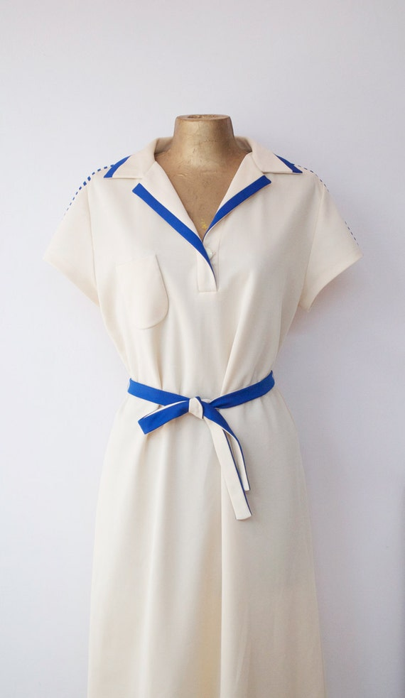 Simple and Elegant Vintage 70's Dress . M . L . XL