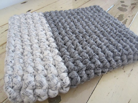 Very thick crocheted iPad sleeve in grey and white