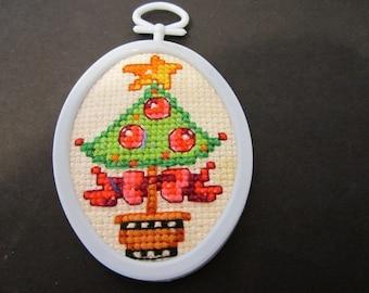 Folk Art Christmas Tree Ornament