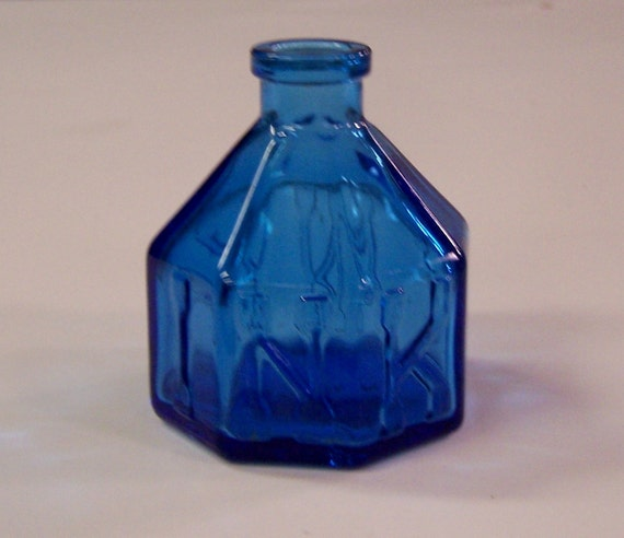 Vintage blue glass ink well - Wheaton NJ
