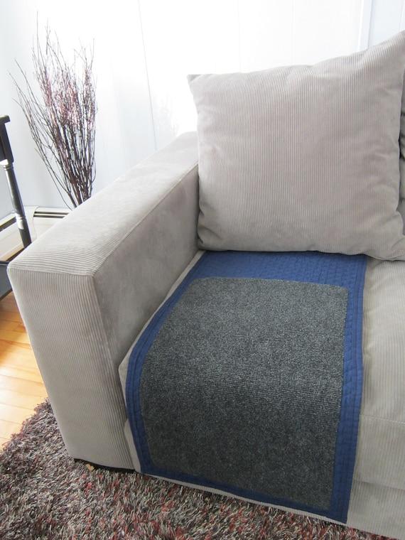 Blue Tuck and Scratch Mat