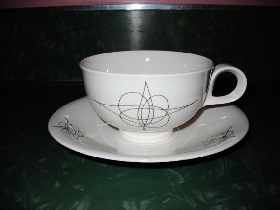 EVA ZEISEL HALLCRAFT footed coffee or tea cup and saucer set Atomic, mid century modern 1950 Fantasy