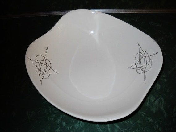 EVA ZEISEL HALLCRAFT Fantasy serving bowl atomic mid century modern wavy edge 1950