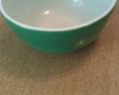 Vintage Medium Green Pyrex 403 2 1/2 QT Nesting Mixing Bowl