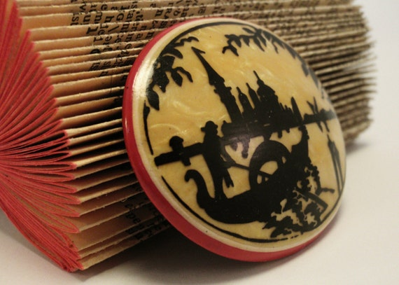 1930s Celluloid Brooch - Venetian Silhouette - Vintage Souvenir Pin