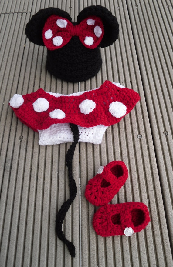 Free Crochet Pattern For Baby Minnie Mouse Outfit : Items similar to Minnie Mouse inspired hat and baby diaper ...