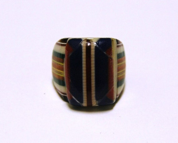 Vintage Celluloid Bakelite Folk Art Prison Ring (Size 7)