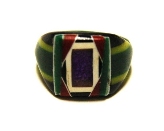 Vintage Celluloid Bakelite Folk Art Prison Ring (Size 8-1/2)