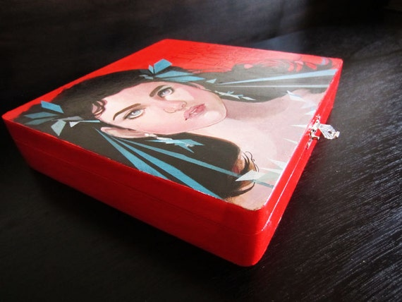 Sarah Labyrinth Jewelry Box