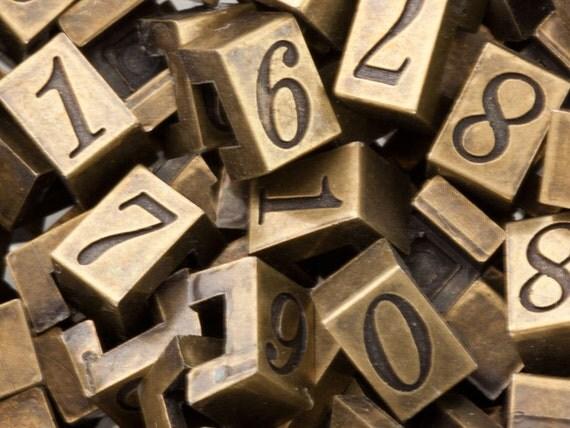 "100 Vintage Numbers, Random Mix, Small Elegant Fancy Pricing Numbers, Antiqued Gold Black Plastic Sign Numbers, Destash Lot, 1/4"" (7mm)"