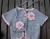 Crochet Sweater with purse for girl, size 3 to 5 yrs (Grey and Pink)