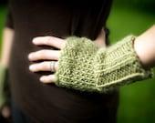 Knit Fingerless gloves - size small