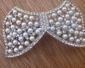 Beautiful silver color hair clip  with sparkling rhinestones  and pearls