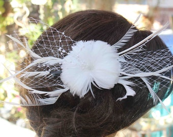 White   color feather  flower with back pin and clip