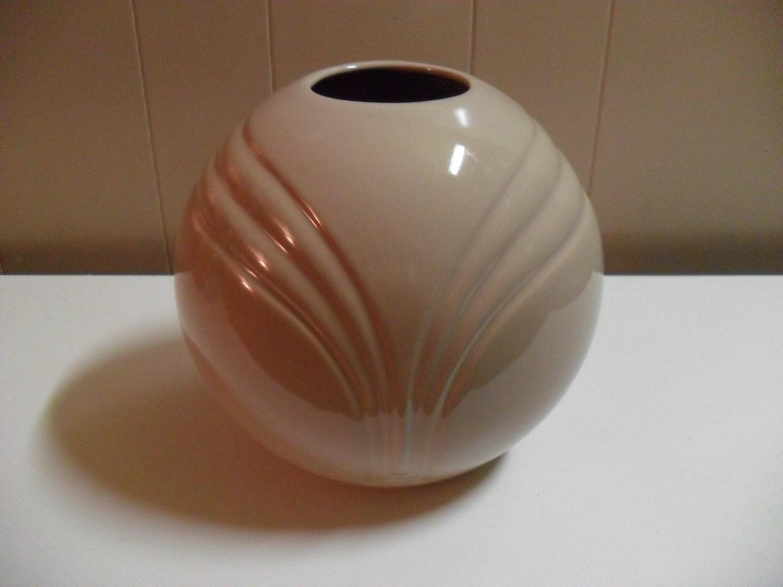 large haeger round art deco vase 4387 tan sand vintage vase. Black Bedroom Furniture Sets. Home Design Ideas