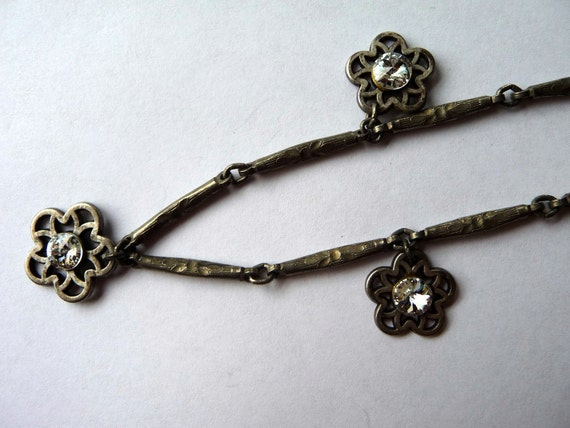 Antique Look Metal Necklace with Star Flower Pendants