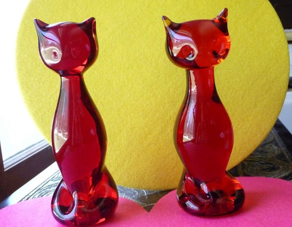 Red Glass Cat - Set of Two