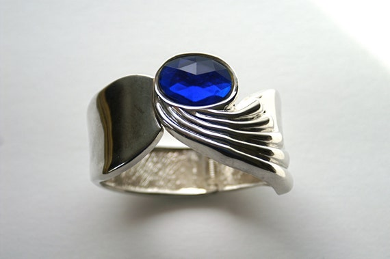 Vintage Hinged Bracelet Wide Cuff Silvertone with Blue Faceted Acrylic Stone Art Deco Style