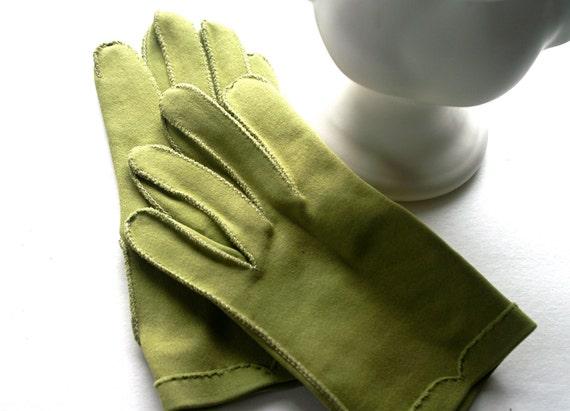 Vintage Gloves by Crescendoe Avacado Green