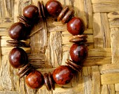 Inés : Chocolate Brown Rustic Earthy Simple Chunky Coconut Shell Pambil Seed Sustainable Bracelet