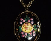 Vintage Exquisite Cloisonne Locket Necklace with Chain very Beautiful