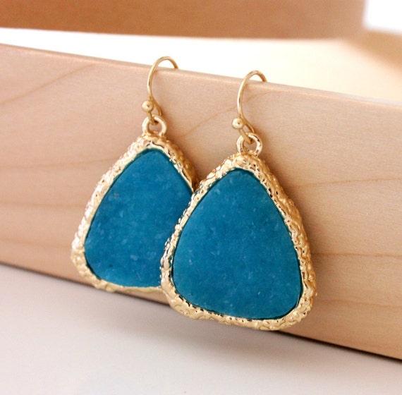 Druzy earrings in blue color