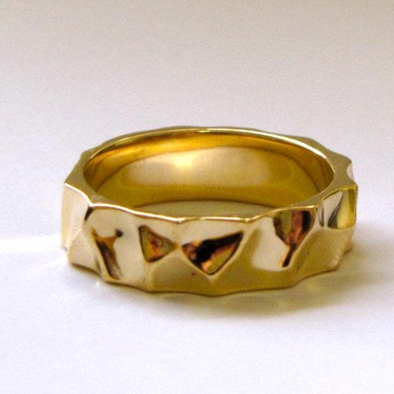 14k Yellow Gold Pebbles Wedding Ring