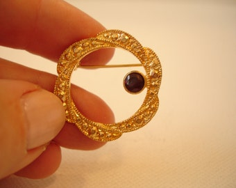 Goldtone Ruby Red Stone Rope Twist Brooch Pin