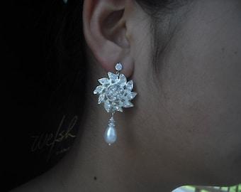 Savannah, Long Bridal Earrings, Art Deco Rhinestone flower Crystal earrings, Vintage Style Bridal Earrings, Weddng Jewelry