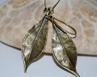 Bronze tone metal leaf earrings, leaf earrings, bronze leaf earrings, fall earrings, gift