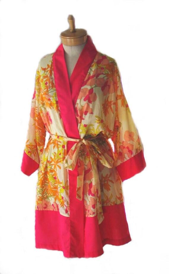 100% Cotton Beige yellow Floral / Fuscia Trim Kimono Robe Handmade in California