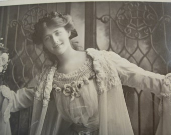 Vintage Victorian RPPC Real Photo with history of Miss Phyllis Dare English Actress Postmarked 1906