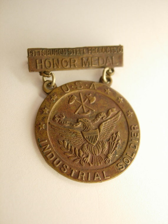 Whitehead and Hoag Pittsburgh Steel Products co.Honor Medal USA Industrial Soldier Medal cross Signed on Back Medal