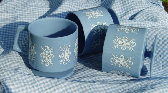 Three Melamine Lustroware Blue Stacking Mugs - NZ Made