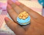 Pompadour Macaron Ring