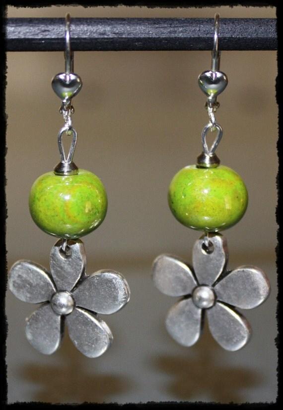 Green earrings with flower