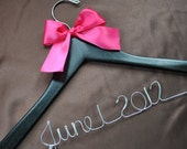 Custom Made Wood Wedding Hanger Personalized Bride Dress Hanger Twisted Wire Wedding Date Bridal Shower Gift
